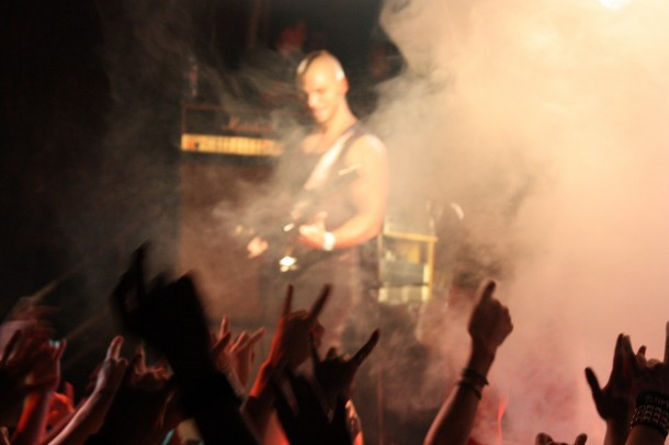 photo-live-dead-by-april-in-Moscow-Marcus-Wesslen-A-Promise-extreme-metal