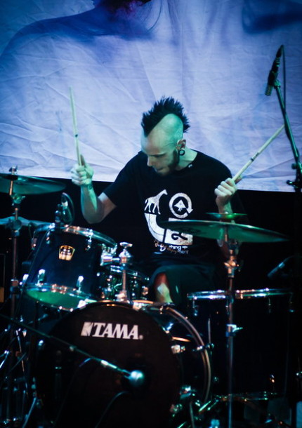 foto-koncert-Dead-by-April-Moscow-Hall-Pontus-Hjelm-Dreaming-melodic-metal