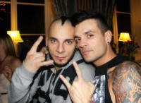 photos-Pontus-Hjelm-band-Dead-by-April-guitar-player-out-scene-2012