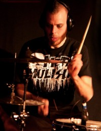 foto-Dead-by-April-band-Joel-Nilsson-extreme-metal-Live-in-London-2010