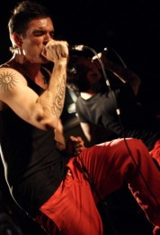 photograph-dead-by-april-band-Jimmie-Strimell-extreme-Live-in-London-2010