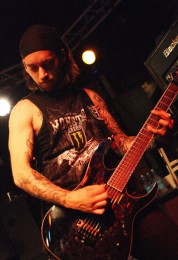 photos-Dead-by-April-Jimmie-Strimell-extreme-metal-concert-tour-2010